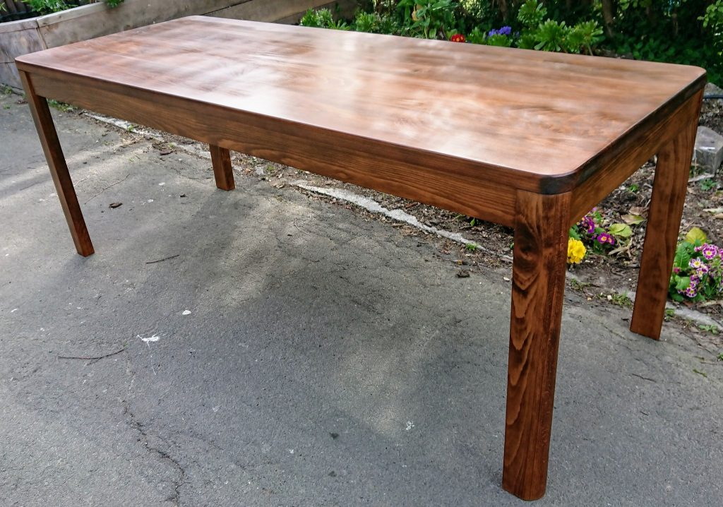 Dining Table Made to Fit a Narrow Sapce