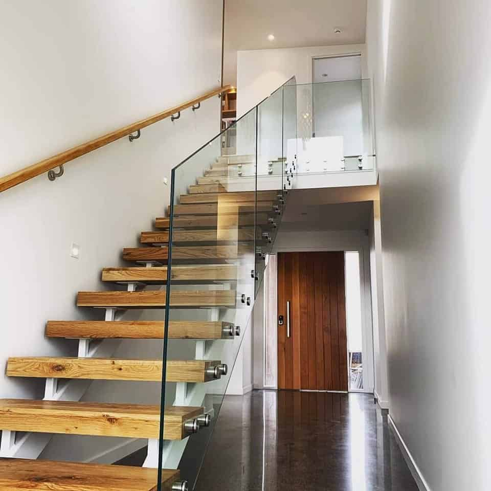 Handcrafted Solid Rustic Oak Stairs